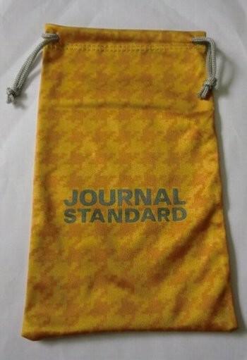 ローソン限定 JOURNAL STANDARD×午後の紅茶 スマホケースに使えるペットボトルホルダー