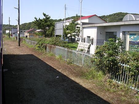 日高幌別駅ホーム