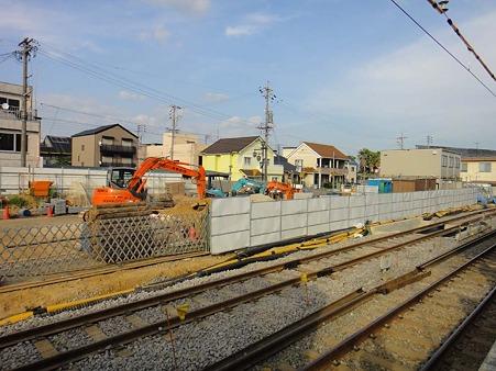 新安城駅6番線横の工事現場