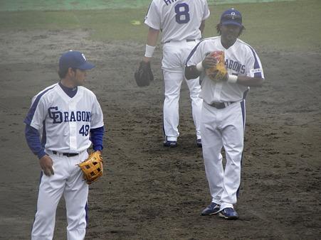035 澤井とセサル、平田の後姿かぁ