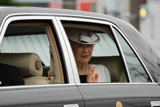 皇后陛下の御尊影