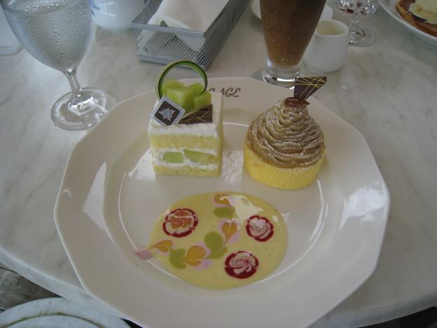 メロンショートケーキとモンブラン