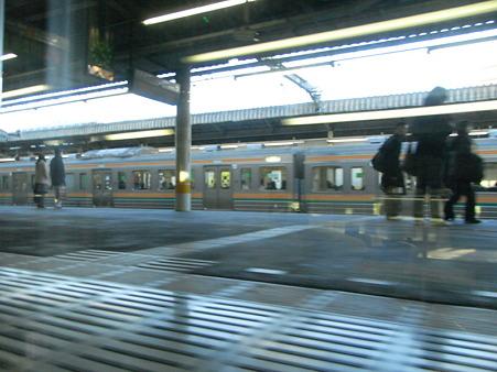 E231系湘南新宿ライングリーン車1Fの車窓30