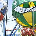 写真: 気球の遊具