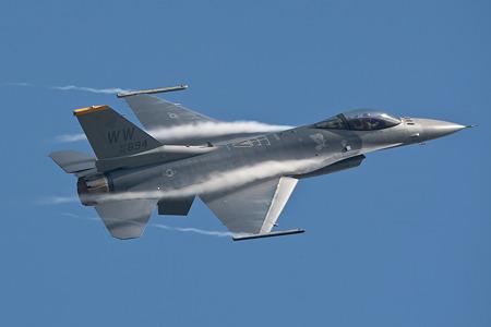 新田原航空祭F-16_04