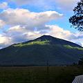 秋の夕景男体山