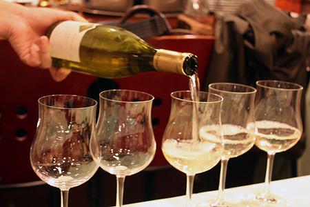 20110324_ビストロ ぺるしぃ 白ワイン1