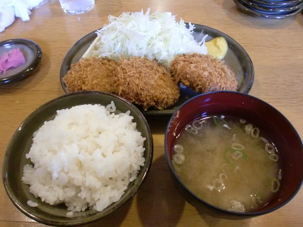写真: はららき円山店 メンチカツ定食