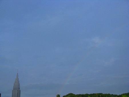 <br />虹とドコモタワー1
