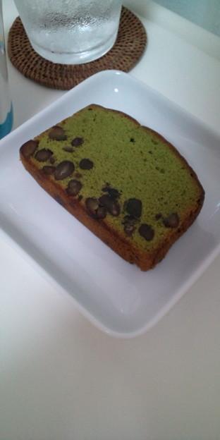 小豆入り抹茶ケーキ