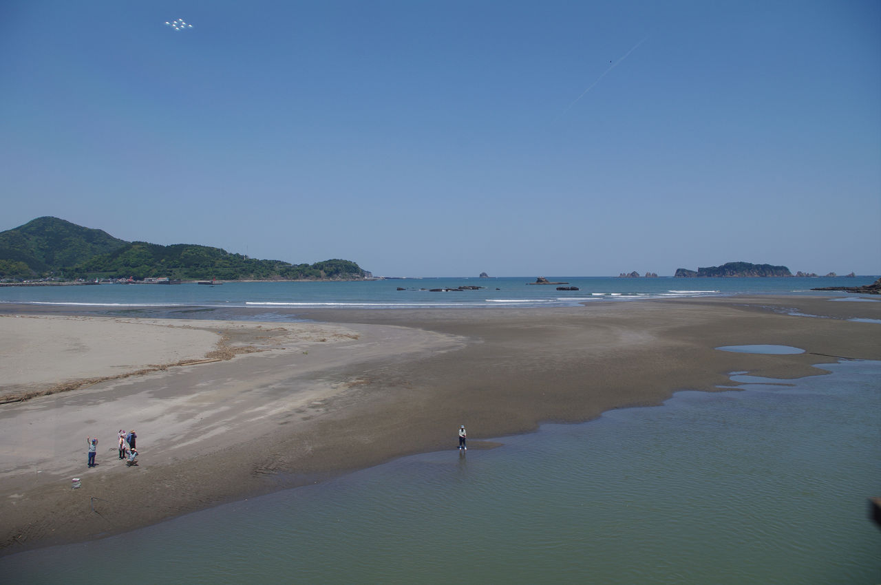 s8347_日南線車窓_細田川橋梁から七ツ岩方向
