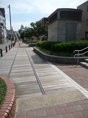 110622-東横廃線 東白楽→反町 (61)