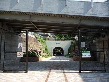 110622-東横廃線 反町→横浜 (32)