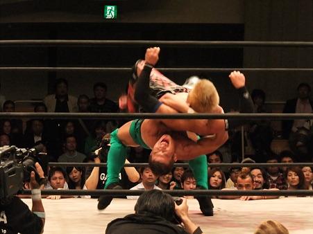ドラゴンゲート オープン・ザ・ドリームゲート選手権 望月成晃vs戸澤陽 20111012 (14)