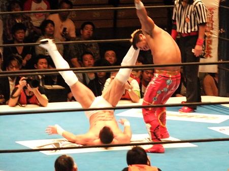 新日本プロレス BEST OF THE SUPER Jr.XIX Aブロック公式戦 プリンス・デヴィットvsKUSHIDA (9)