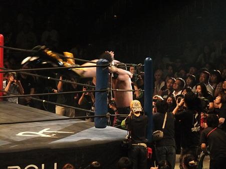 DDT 両国ピーターパン2011 〜二度あることは三度ある〜 KO-D無差別級選手権 石川修司vsKUDO (2)