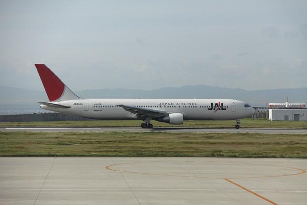 JAL-JA8364