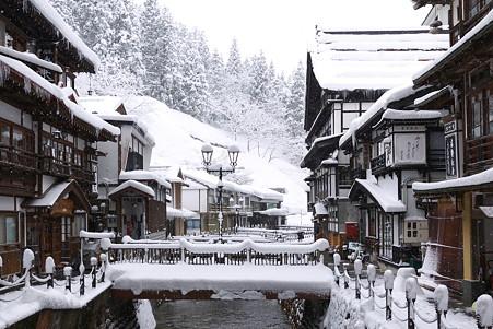 2011.03.10 銀山温泉 雪の朝
