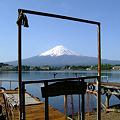 写真: 富士を描くキャンバス