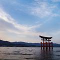 写真: 宮島の大鳥居