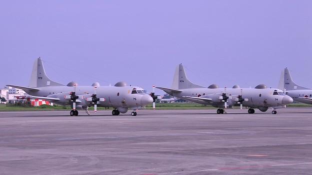 格納庫近くまで。。海上自衛隊P-3C待機・・20110703厚木基地開放