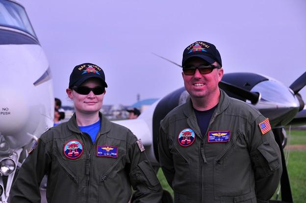 米軍兵を記念撮影・・20110703厚木基地開放