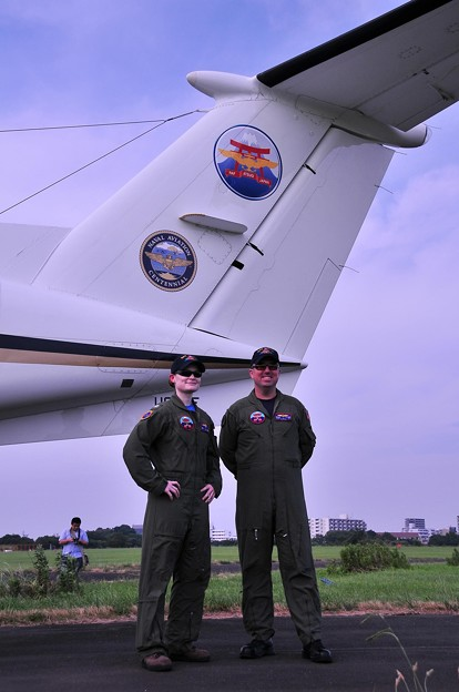 自分達の機体UC-12Fと。。20110703厚木基地開放